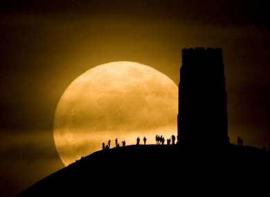 The super moon captured at Glastonbury, England, last night.