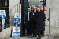 Gardaí bring bank statements to Commissioner meeting to highlight cuts