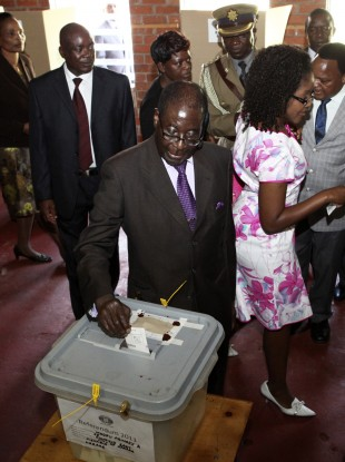 Zimbabwean President Robert Mugabe casts his vote today